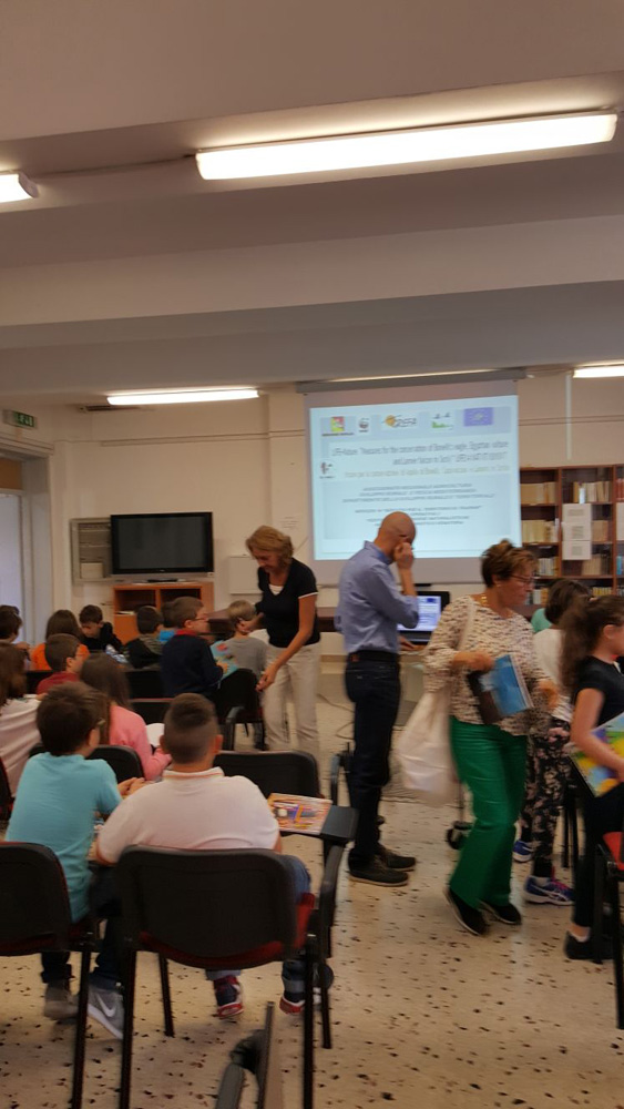 All ready for the presentation in the class (photo Chirco)