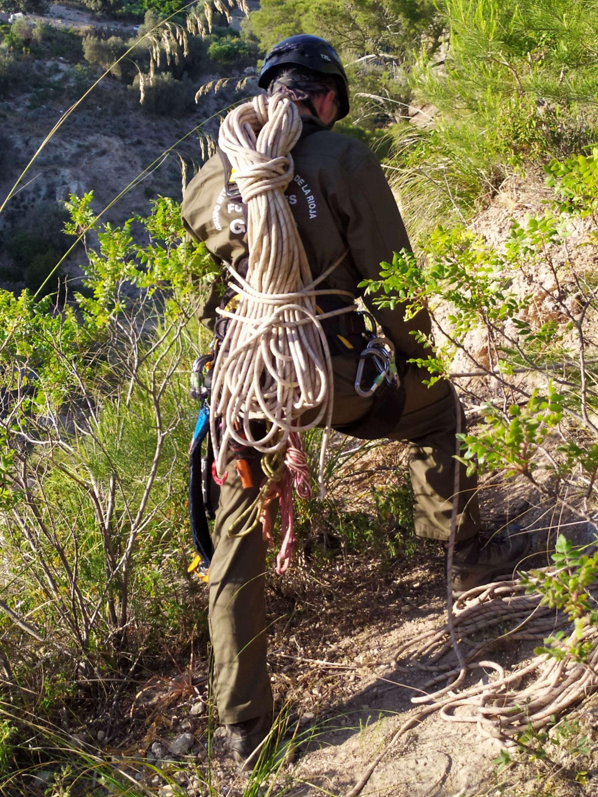 Operazione preparatorie del team di rocciatori spagnoli (foto Pollutri)