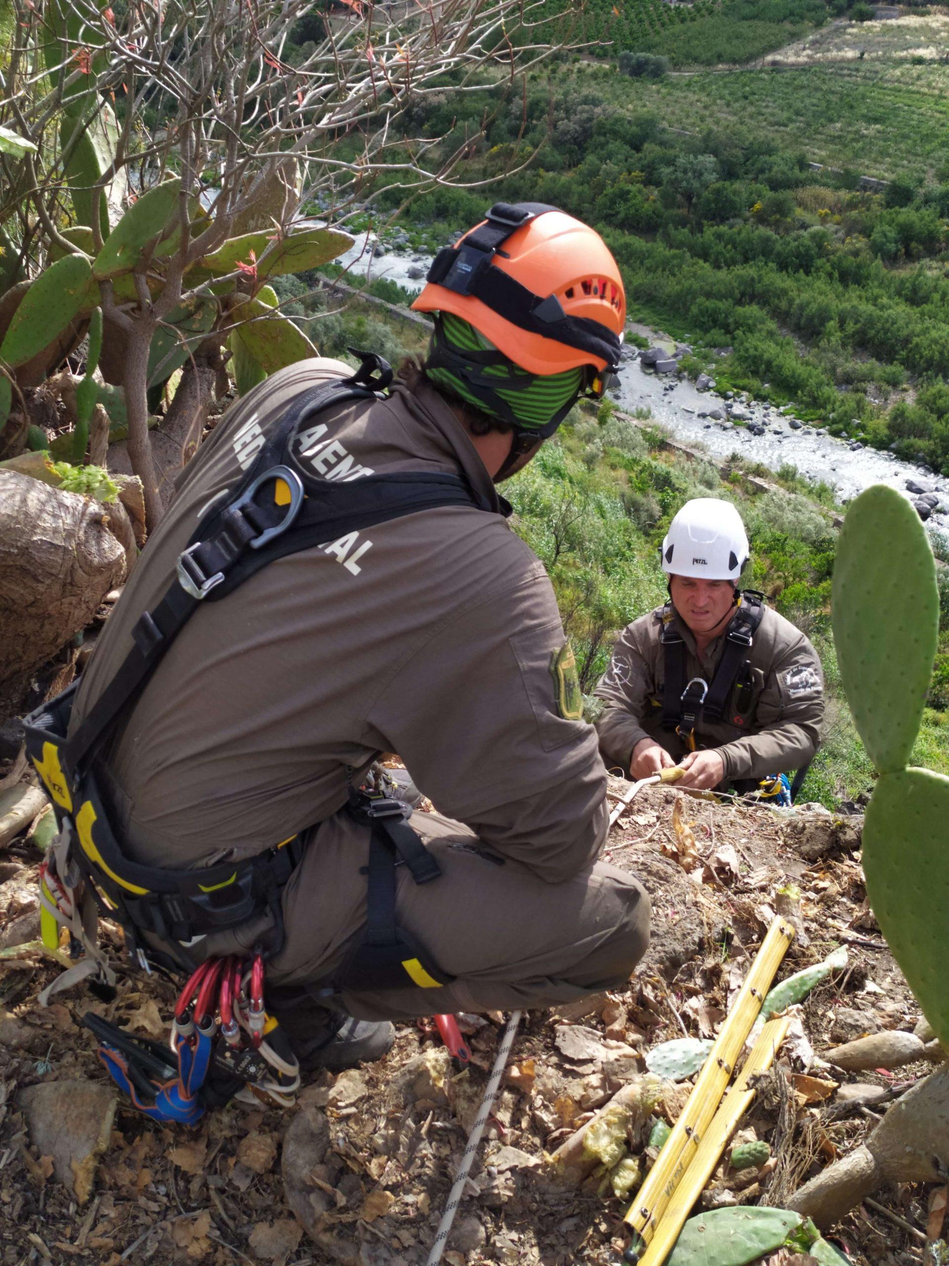 Team di rocciatori del partner di progetto GREFA (foto Pollutri)