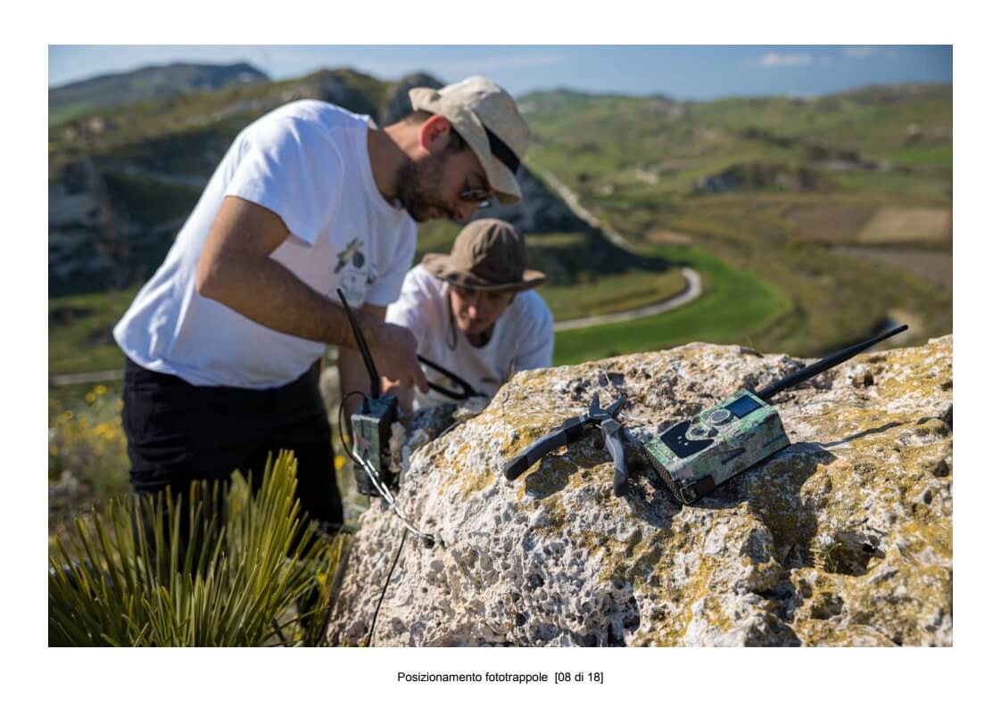 Positioning of camera traps - 08 of 18 (photo: Mathia Coco)