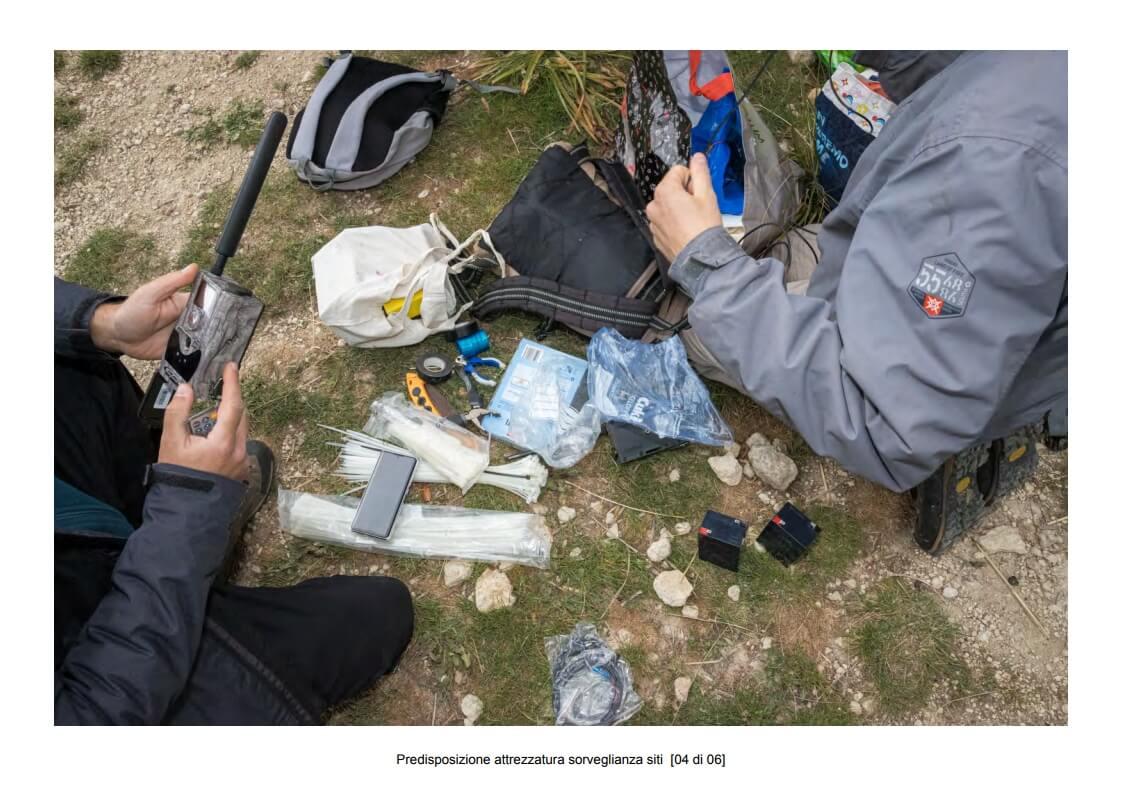Preparation of site surveillance equipment - 04 of 06 (photo: Mathia Coco)